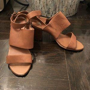Steve Madden 8.5 Cognac heel